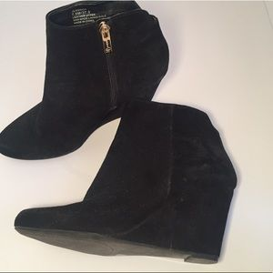 Jessica Simpson ankle booties